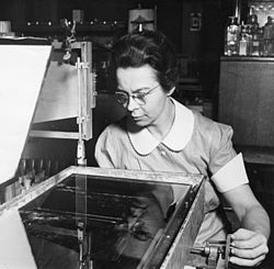 Katharine Burr Blodgett (1898-1979) was the first woman to be awarded a PhD in Physics at Cambridge.